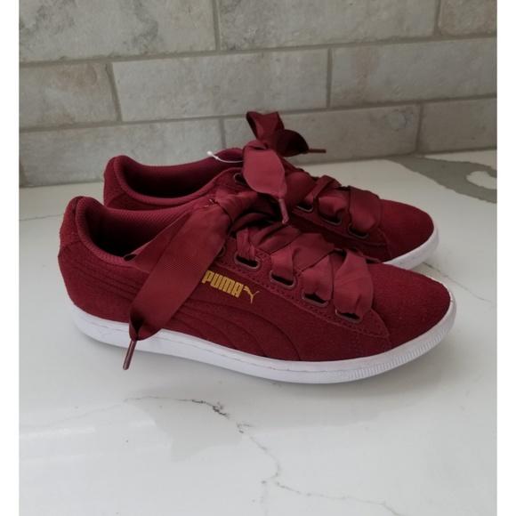 43a24388986f NWT PUMA burgundy ribbon lace suede shoe